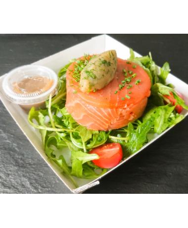 Salade de pommes de terre et Roquette aux fines herbes, saumon fumé
