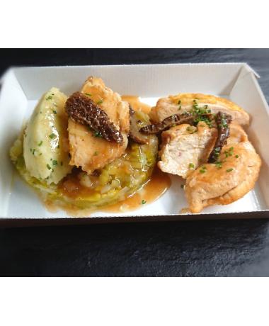Suprême de poulet jaune jus au Noilly Prat et aux morilles
