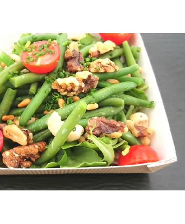 Salade d'hiver aux fruits secs torréfiés au vinaigre de framboise